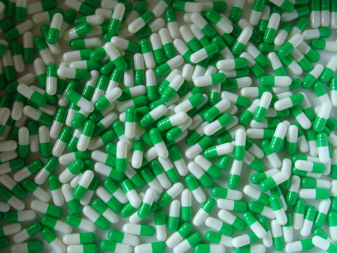 White and Grass Green Size 1 Two Tone Empty Gelatin Capsules
